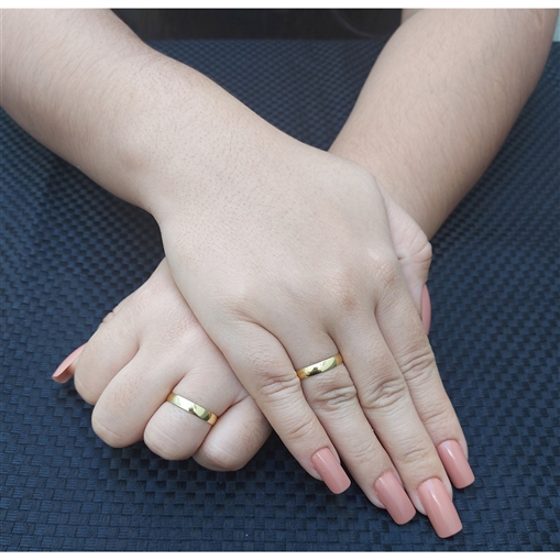 Par Aliança Ouro 18k Tradicional Semi Anatomica 3,5mm x 0,70mm