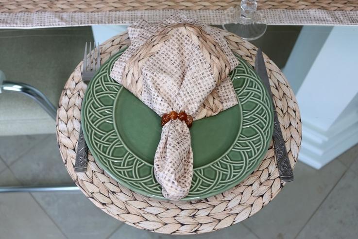 Kit com Capas de Sousplats Palha