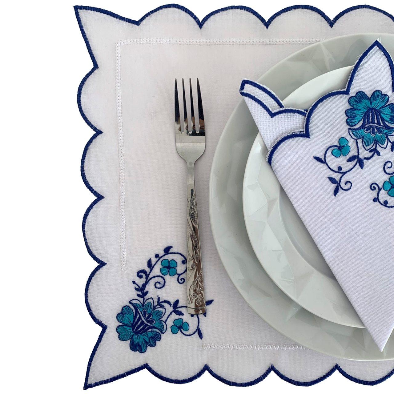 Kit de Jogo Americano com Guardanapo Azul e Branco Bordado