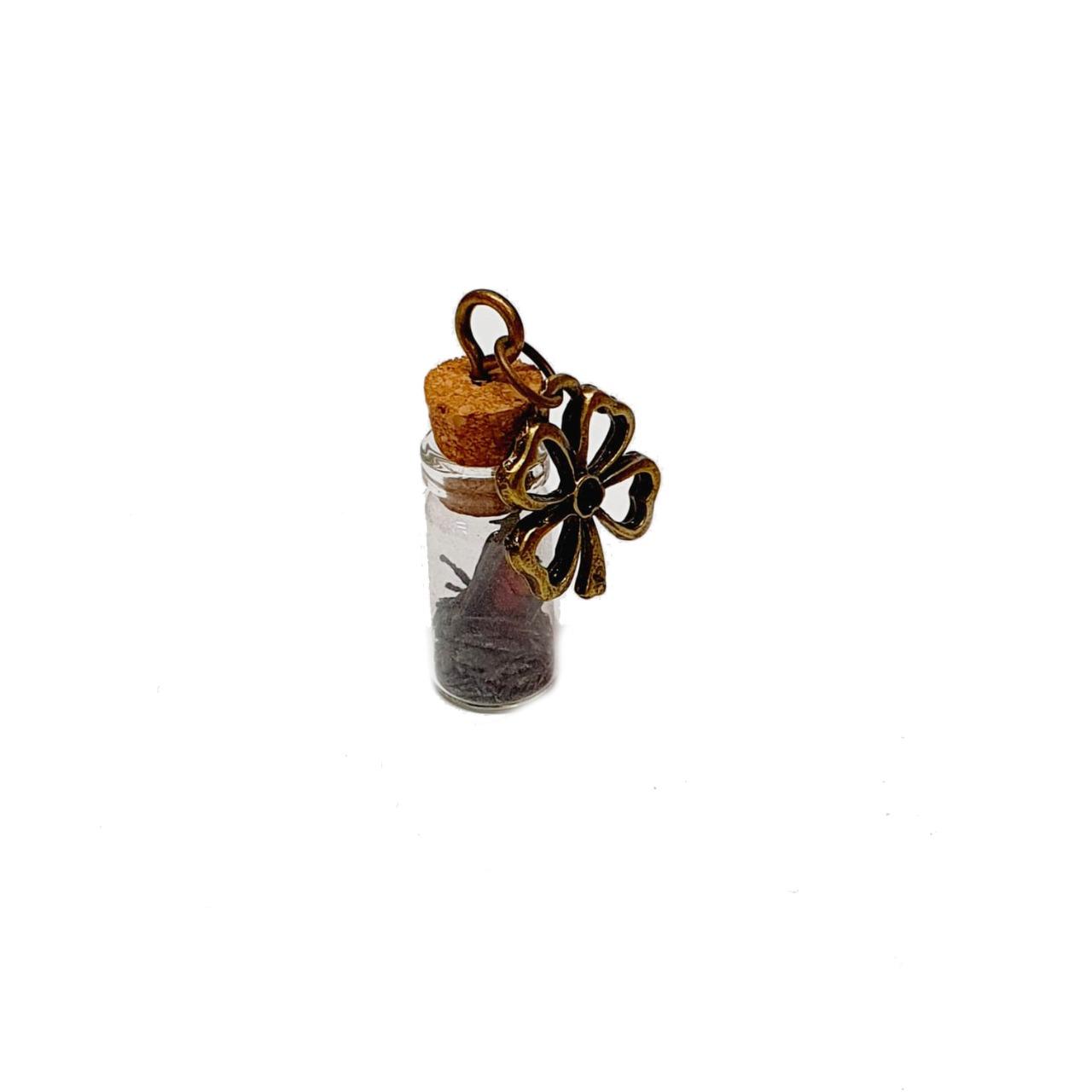 Amuleto de Pedra Natural Vassoura de Bruxa