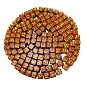 Letrinhas Quadradas Caramelo Escuro com Dourada