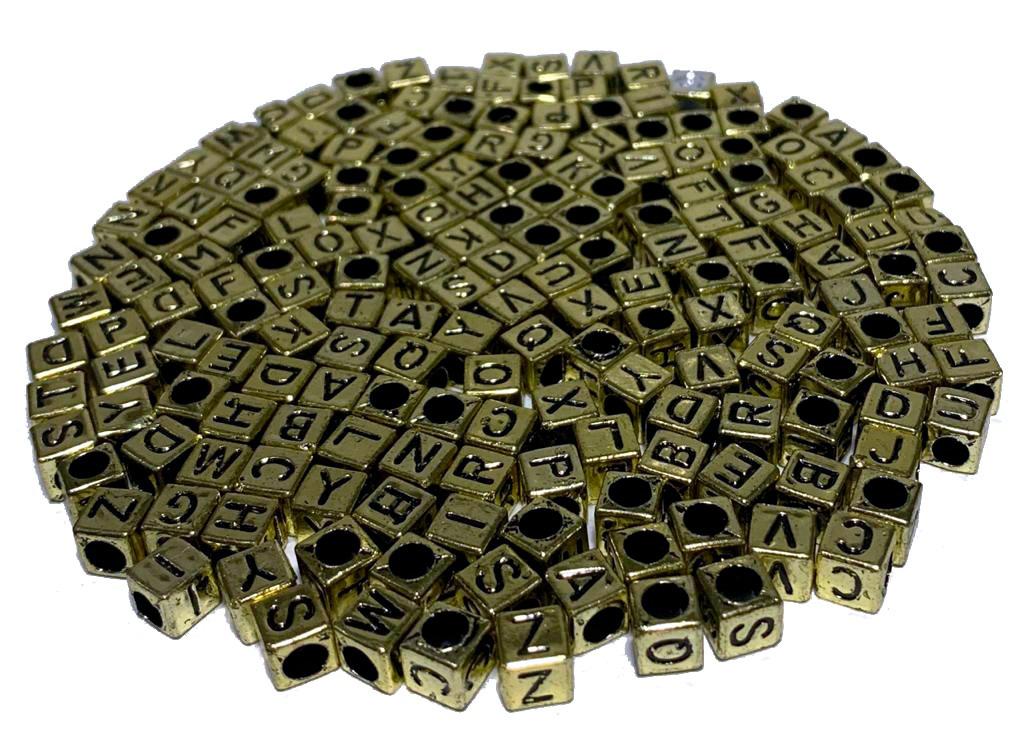 Letrinhas  Quadradas Dourada