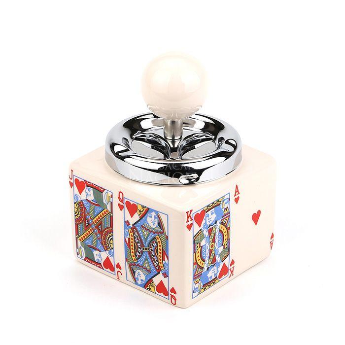Cinzeiro de Cerâmica com Tampa Giratória Quadrado - Cartas de Baralho - Copas