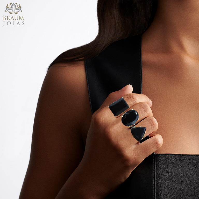 Anel de Obsidiana Negra