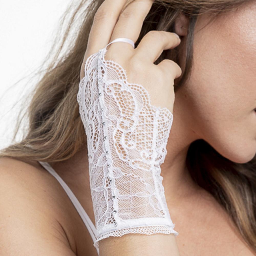 Luva Curta For Brides