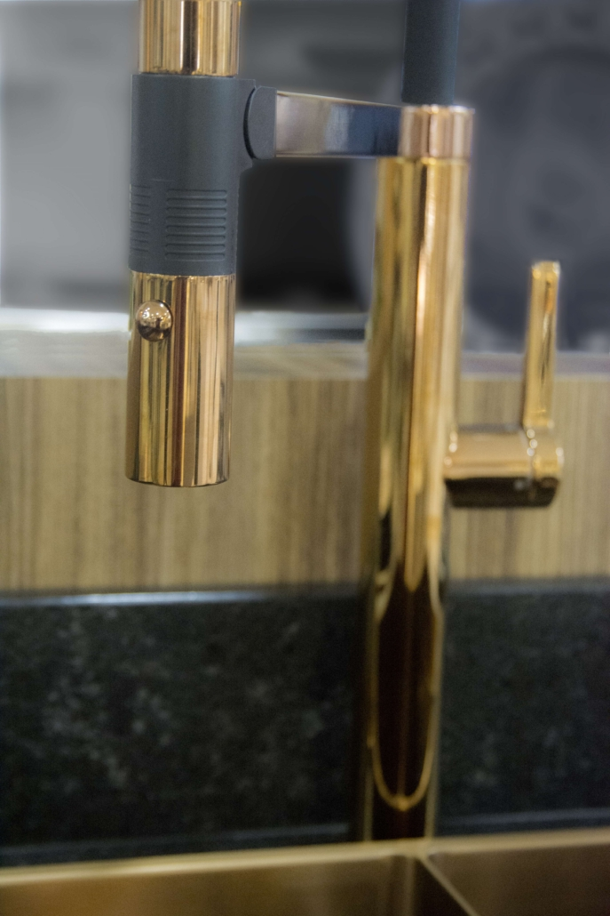 Torneira Misturador Monocomando Gourmet latao Lexxa ref. LX-2288G Gold