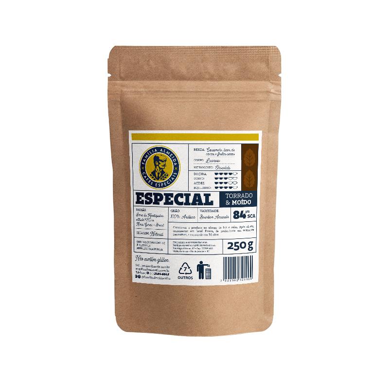 CAFÉ TORRADO EM GRÃOS GOURMET 81 PONTOS FAMÍLIA ALMEIDA CAFÉS PACOTE 250G