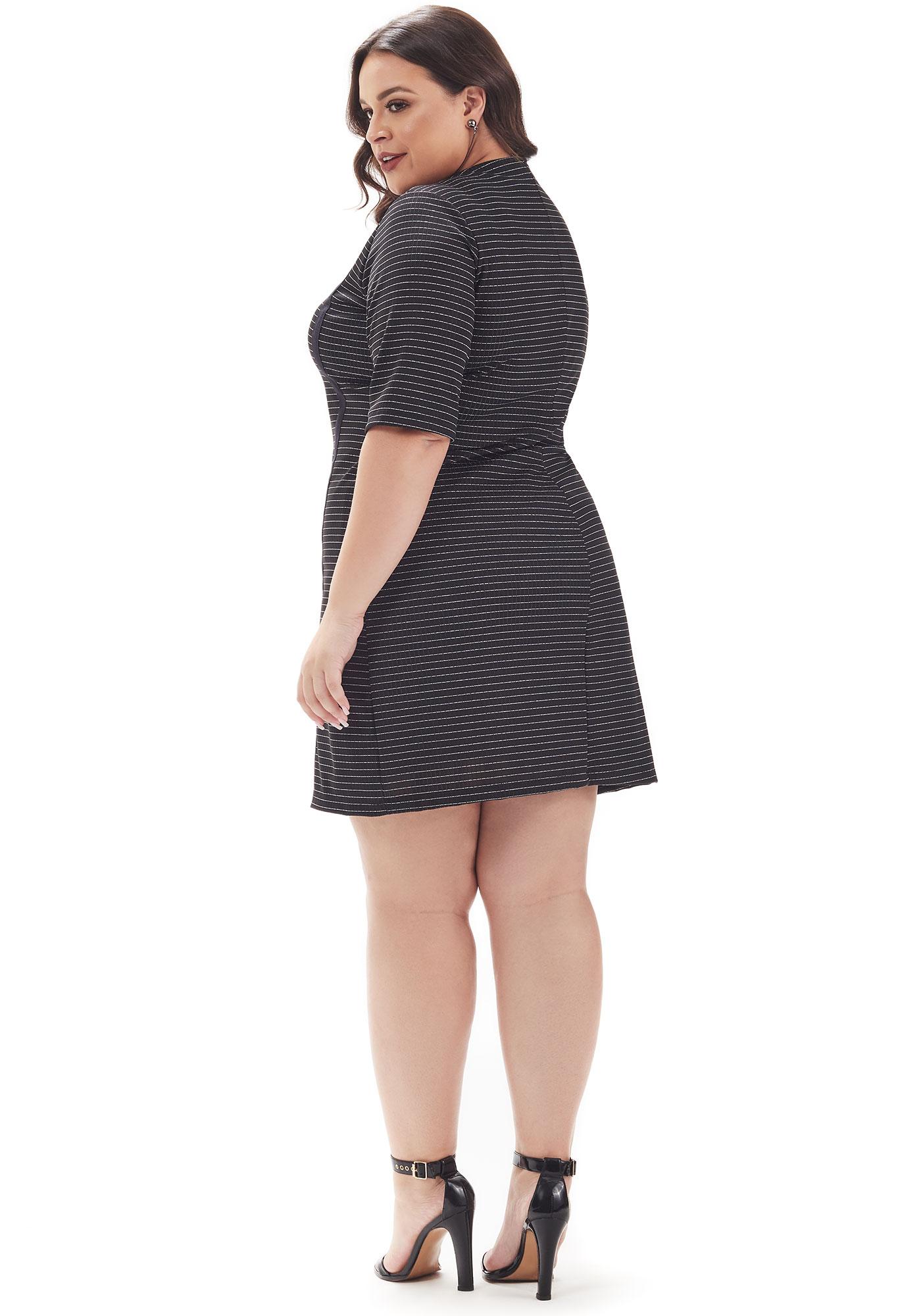 Vestido Lepoque Plus Size Canelado Lurex com Cadarço Preto