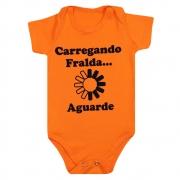 Body Bebê Carregando Fralda Laranja