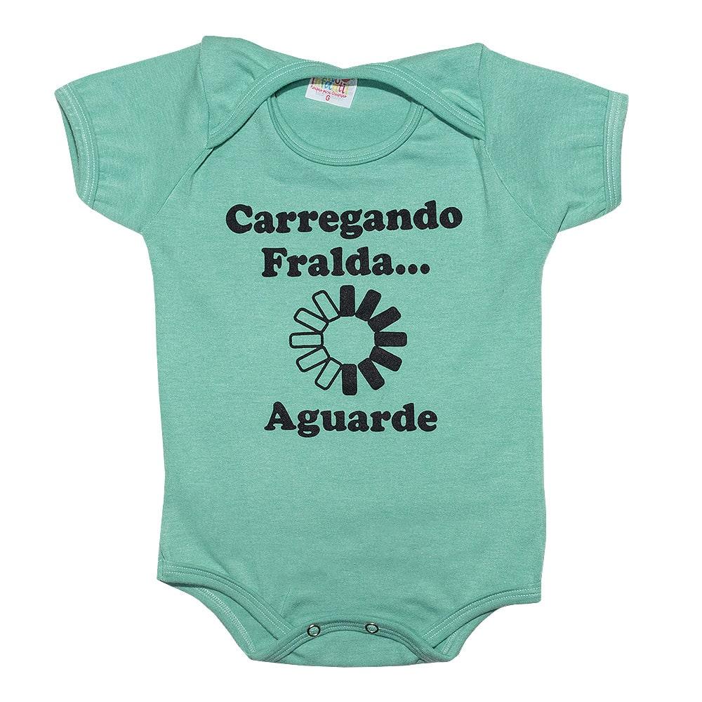 Body Bebê Carregando Fralda Verde  - Jeito Infantil