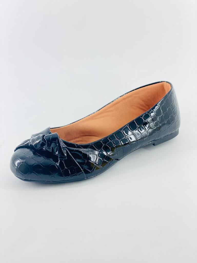 Sapatilha Preta/Croco com Laço  Sapato Feminino em Promocao