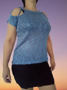 Blusinha com detalhe no ombro