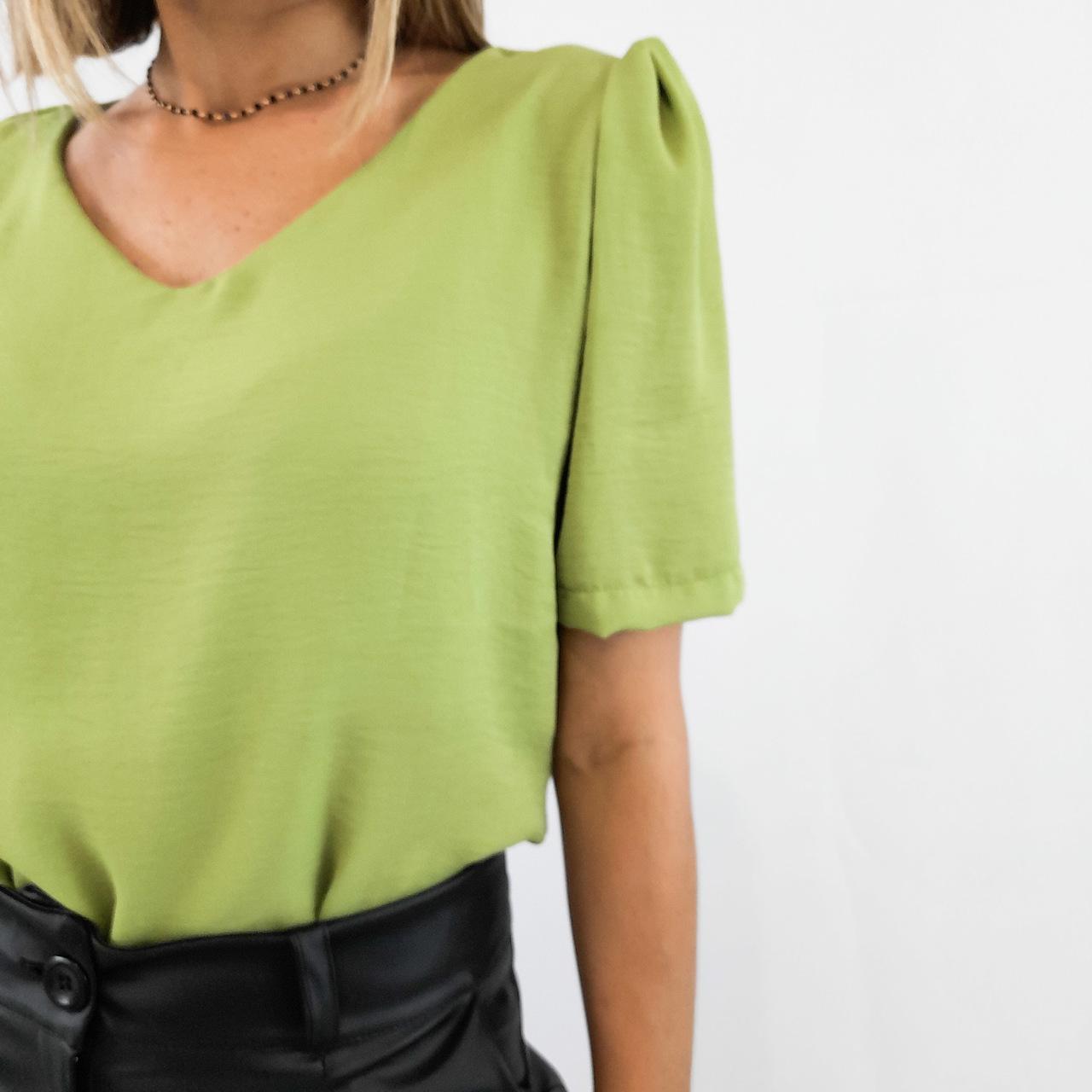 Blusa Alfaiataria Gola V - Verde Musgo