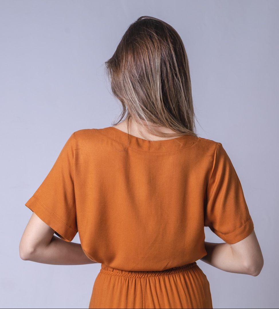 Blusa Tecido Clássica - Marrom