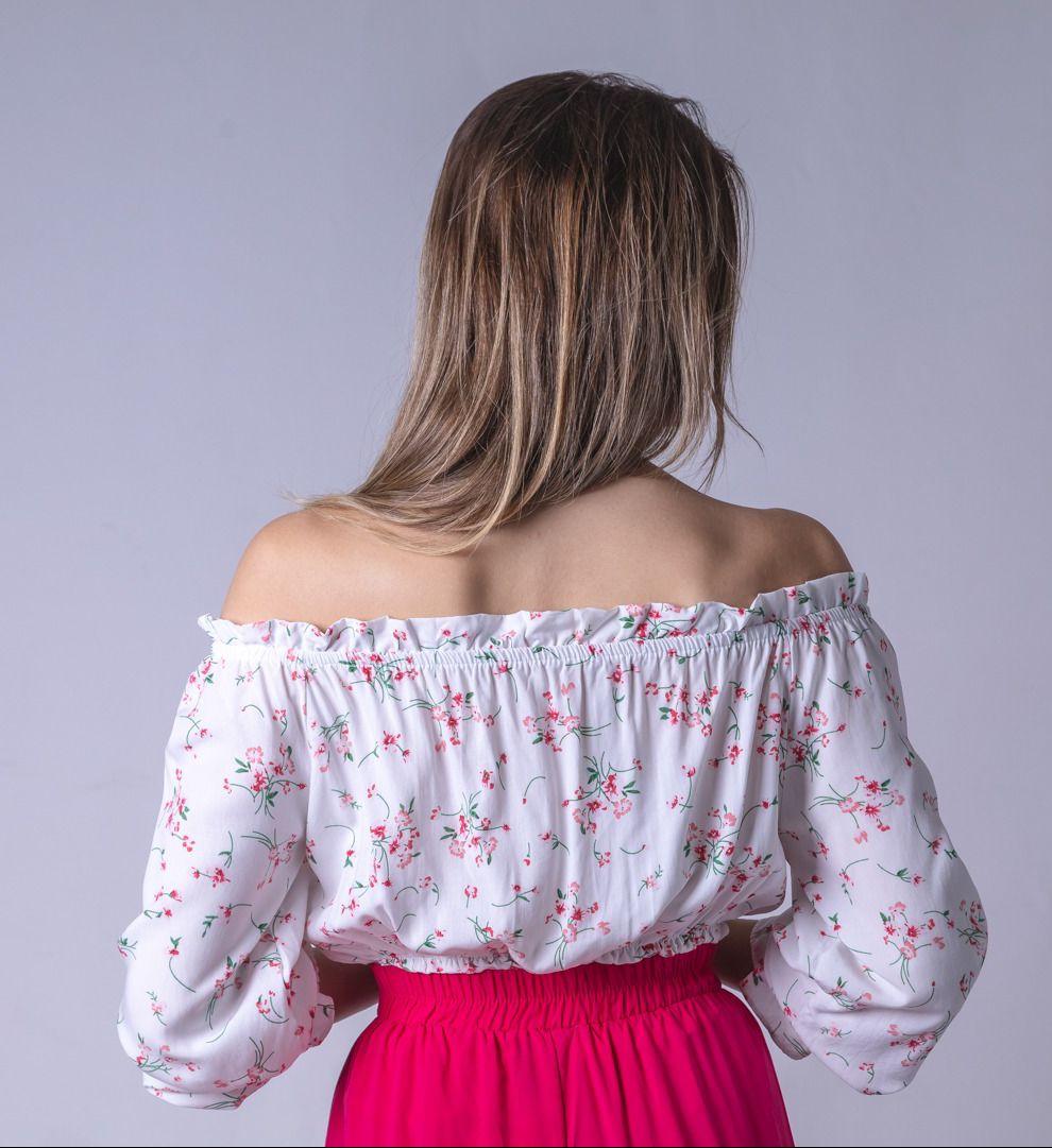 Blusa Tecido Lastex Botão Floral - Branco