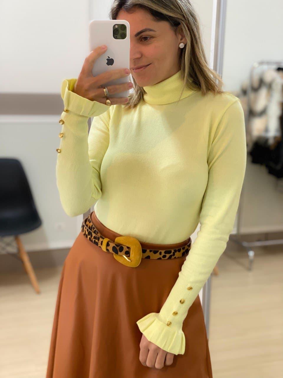 Blusa Tricot Botão Punho - Amarela