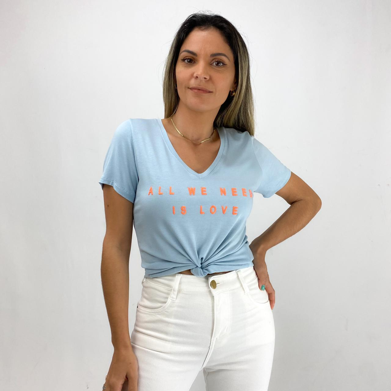 T-Shirt Viscolycra  Gola V - All We Need - Azul Claro