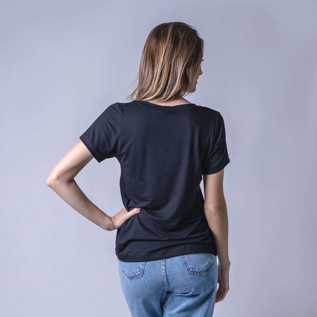 T-Shirt Viscolycra Gola V - Coffe - Preta