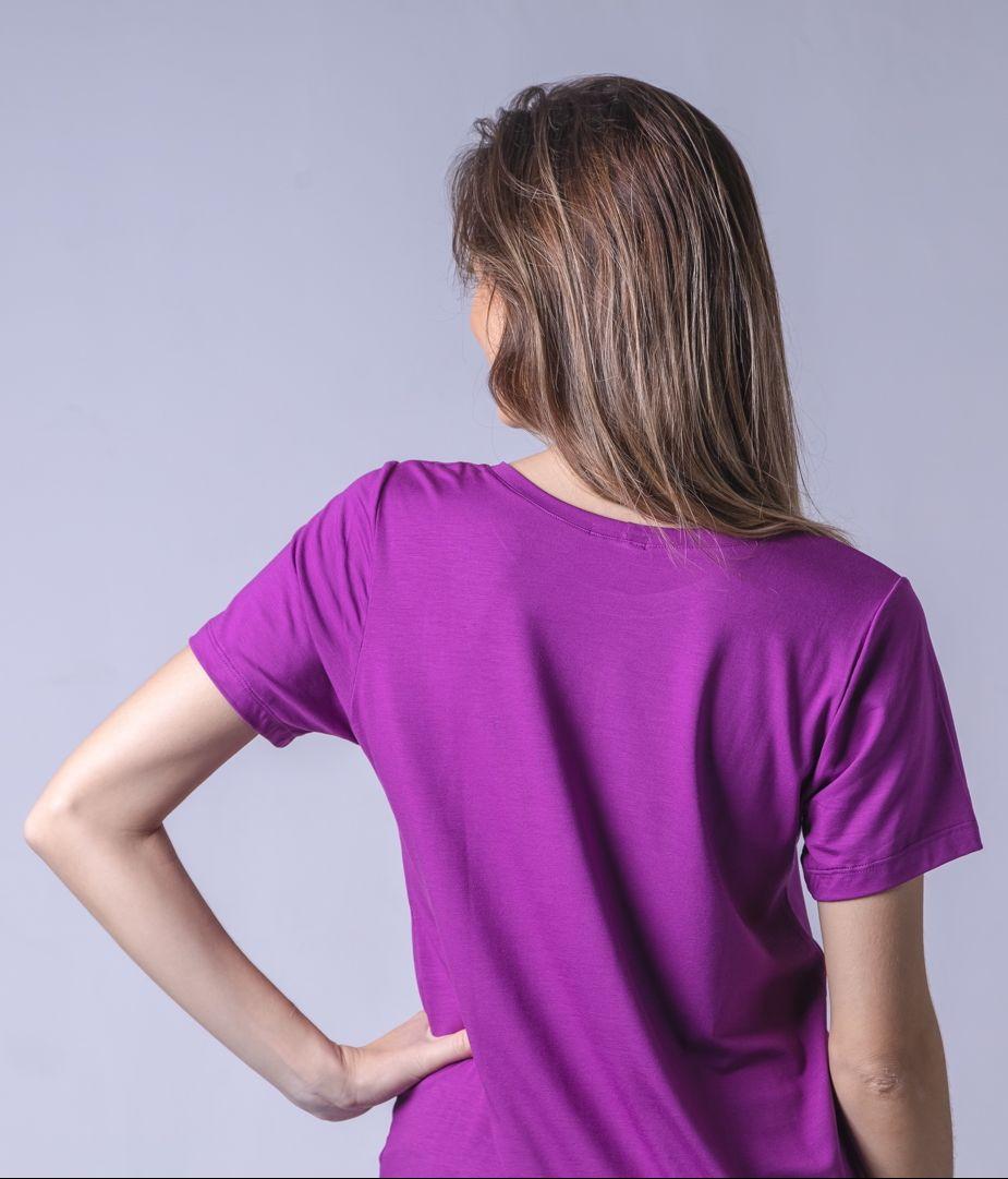 T-Shirt Viscolycra Gola V - Mademoiselle - Roxo