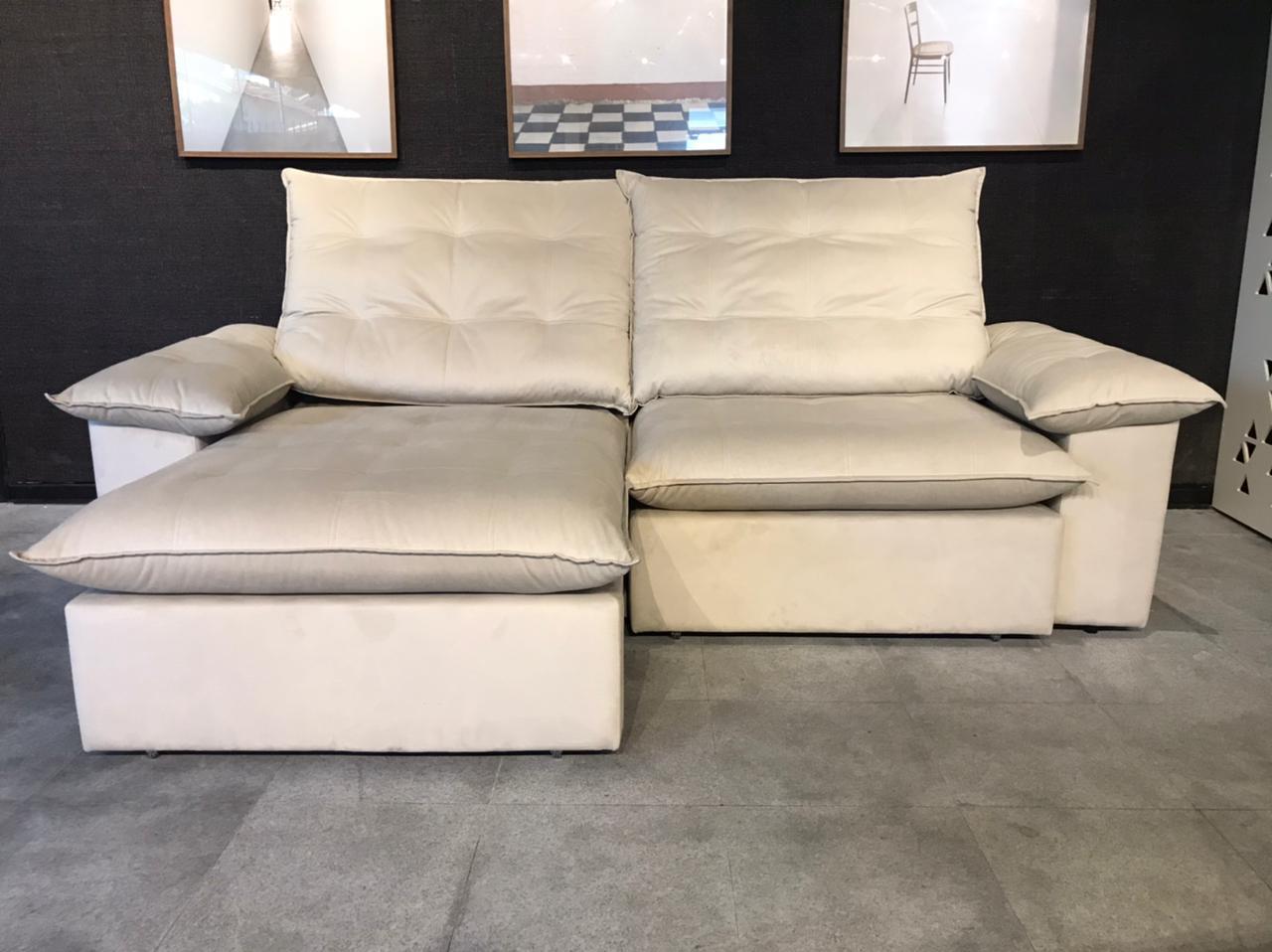 Sofá Pillow Veludo Areia  - Abarca Móveis Ltda