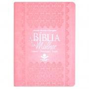 A Bíblia Da Mulher Leitura - Devocional - Estudo | ARC | Capa Couro Sintético Luxo | Rosa Claro