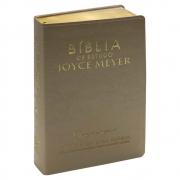 Bíblia de Estudo Joyce Meyer | Nvi | Luxo | Dourada