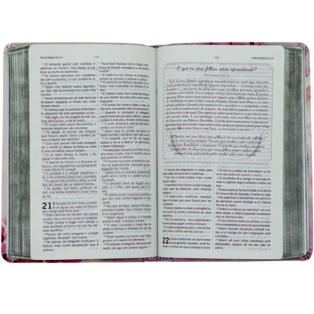 Bíblia Da Mulher Segundo O Coração De Deus   Almeida Século 21   Capa Dura   Rosa