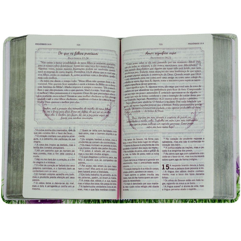 Bíblia Da Mulher Segundo O Coração De Deus   Século 21   Capa Semiluxo   Roxo