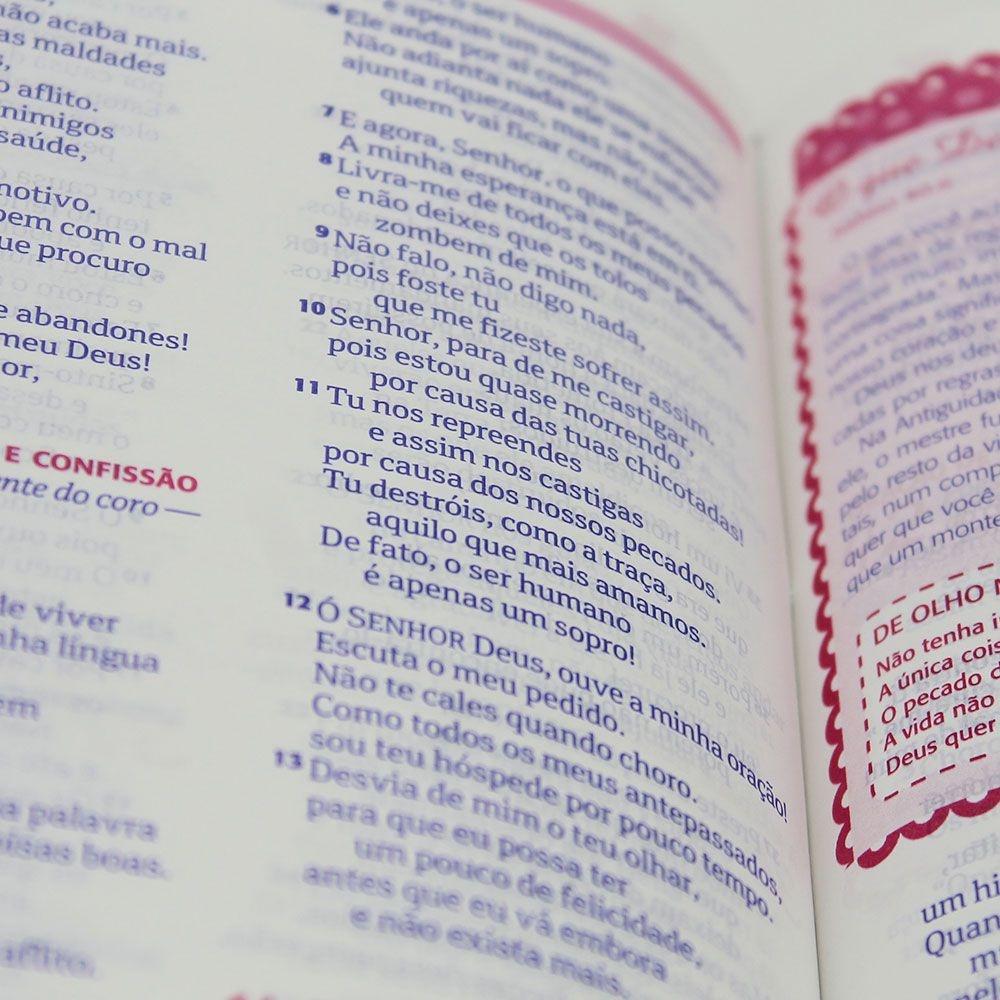 Bíblia Sagrada Entre Meninas E Deus | NTLH | Triotone | Capa Pu Pink E Jeans
