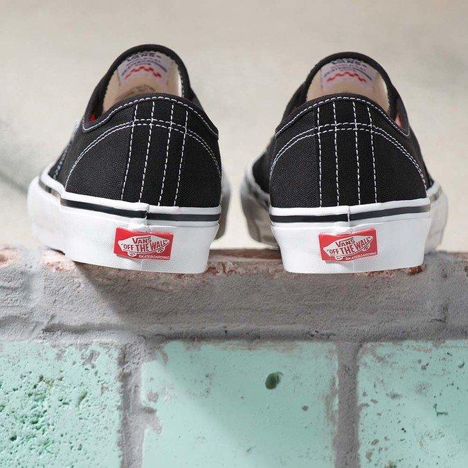 Tênis Vans Authentic Skate Black White