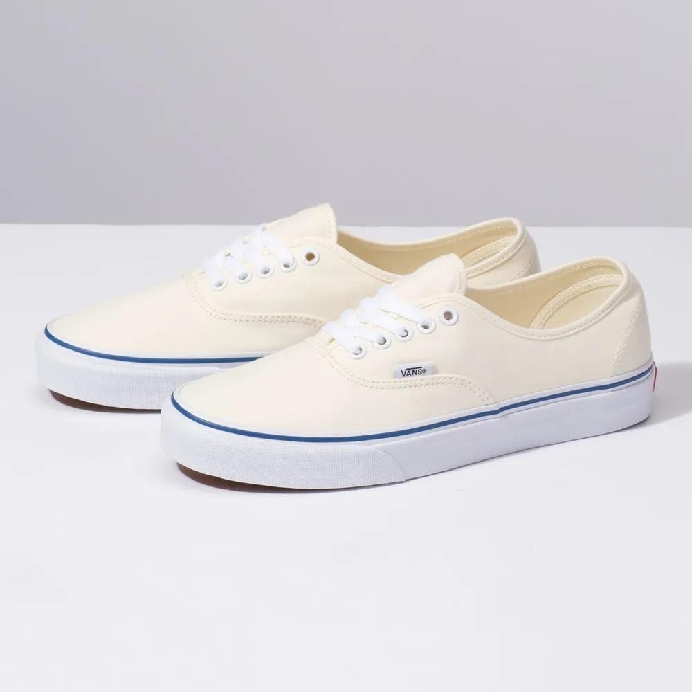 Tênis Vans Authentic White