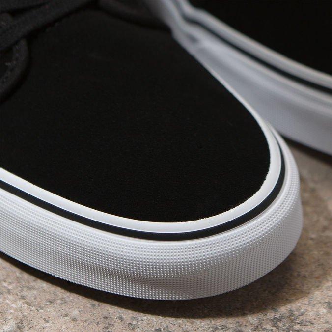 Tênis Vans Chukka Low Suede Black True White