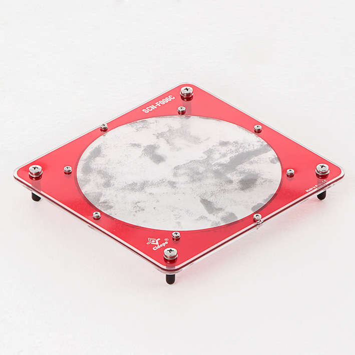 Mesa para espectros magnéticos, com limalhas de ferro confinadas