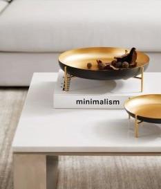 Centro de mesa Elegance I em metal preto e dourado