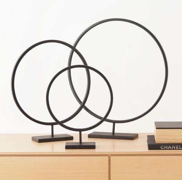 Escultura Circle em Metal Preta M