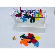 Varal de Roupas de Feltro - Materiais para Brincar
