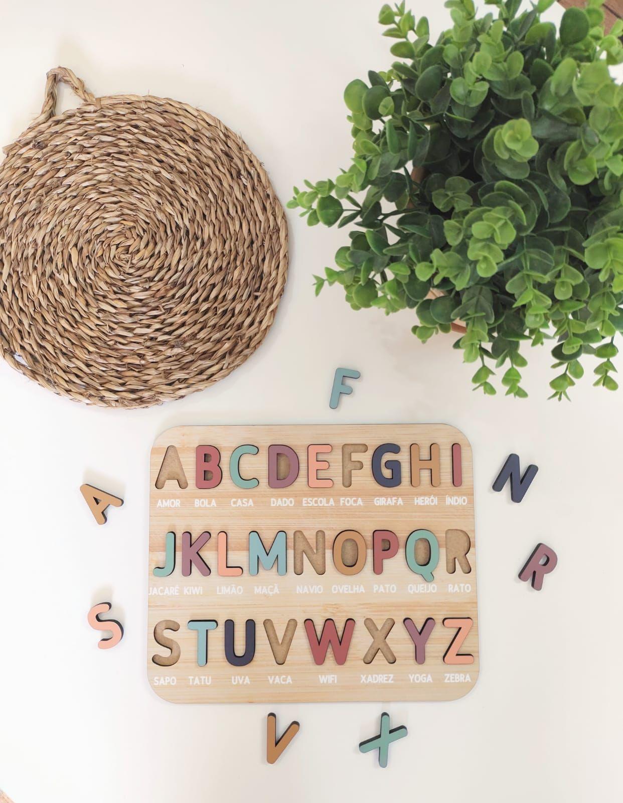 Encaixe Alfabeto Português/Inglês + Saco Personalizado - Madu Brinquedos