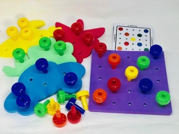Placa de Pregos Coloridos - Materiais para Brincar