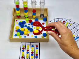 Sequência de Pompons - Materiais para Brincar