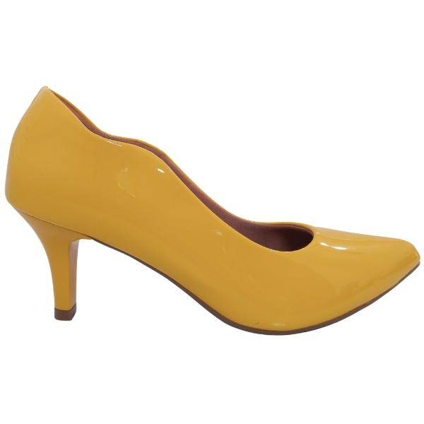 Scarpin Salto Médio Amarelo Ouro
