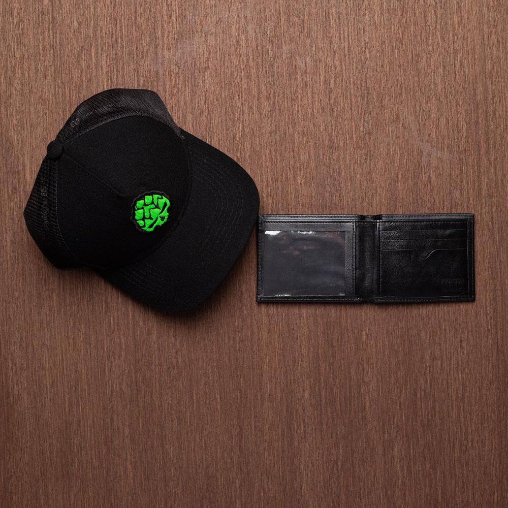 Kit Boné Trucker Fluor Verde + Carteira Screen em Couro Legítimo Preto
