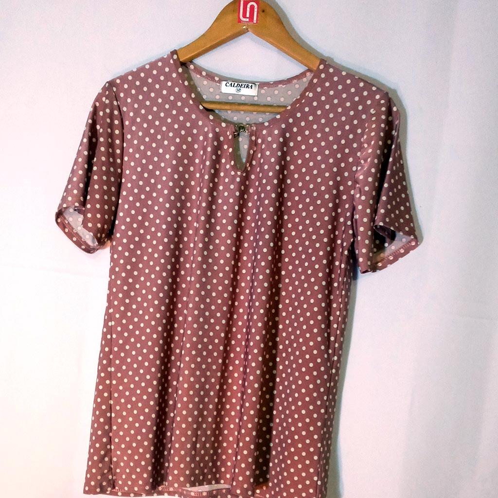 Camisa Feminina Rosa de Bolinhas Caldeira Tamanho 50