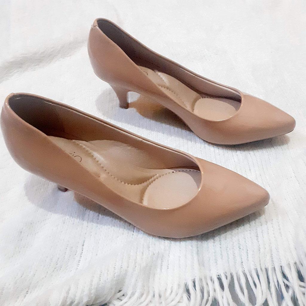 Sapato de Salto Lindo e elegante Tamanho 37