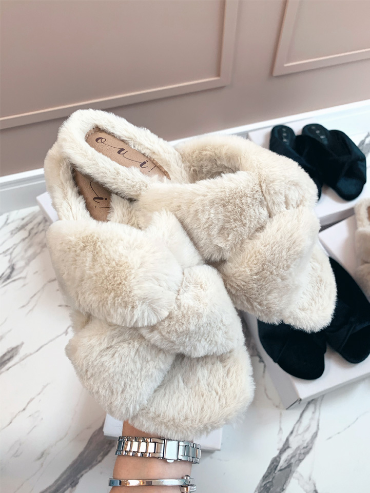 Chinelo Off White