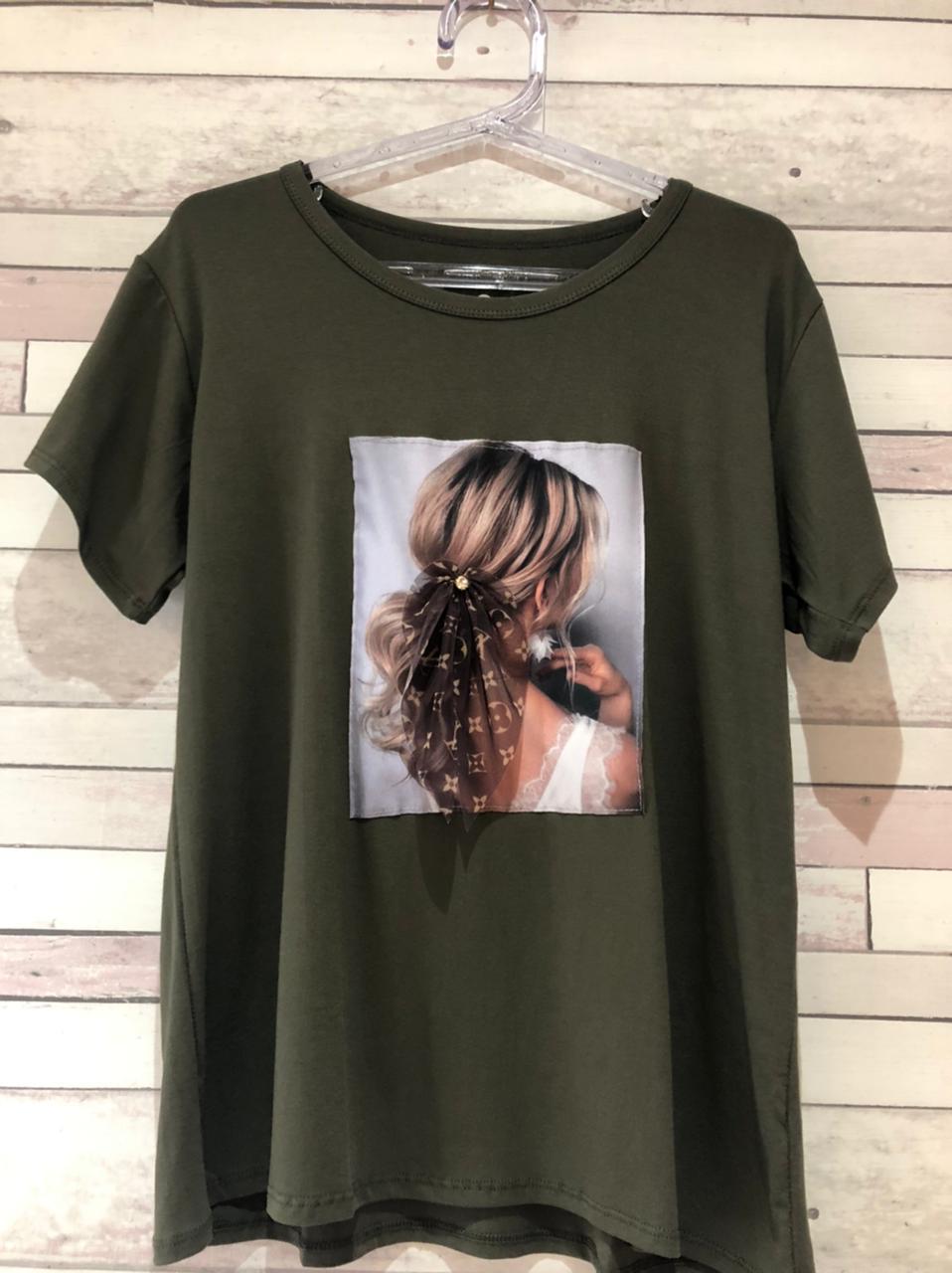 T-Shirt com foto Variadas