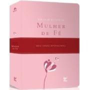 Bíblia de Estudo da Mulher de Fé - Capa Luxo Rosa