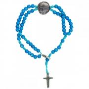 Pulseira Terço Infantil Medalha das Duas Cruzes - Pedra Cerâmica Azul