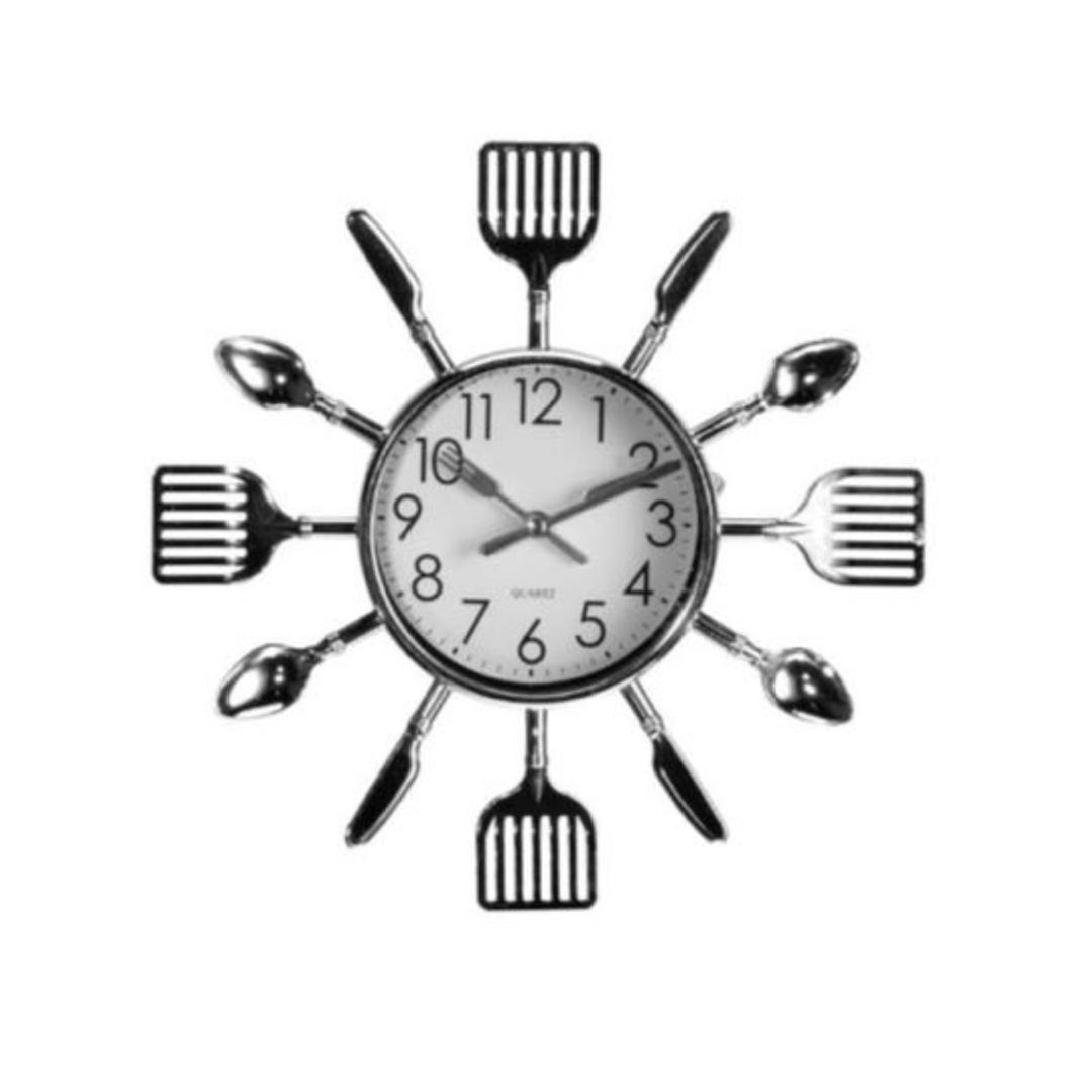 Relógio de Parede em Formato de Talheres - 26 cm
