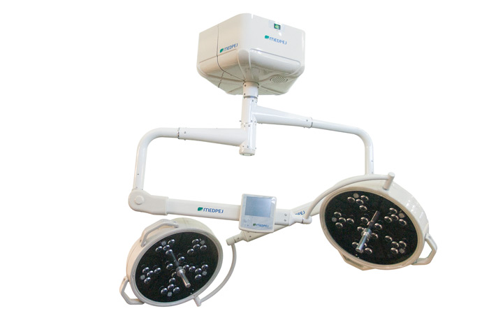 Foco Cirurgico Teto FL-2000 TLD24X24E - MEDPEJ - Cód: 39.120.0009