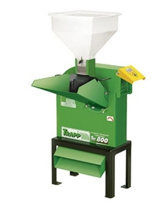 Triturador Forrageiro Trapp TRF-800 com acoplador p/ trator